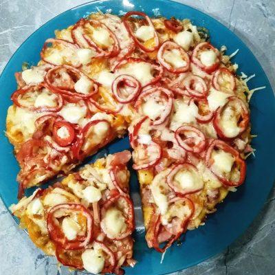 Пицца на сметанном тесте на сковороде - рецепт с фото