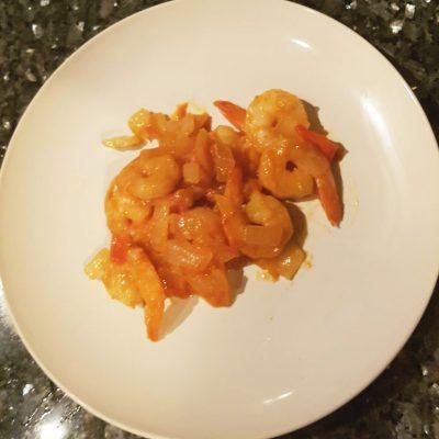 Креветки в томатном соусе - рецепт с фото