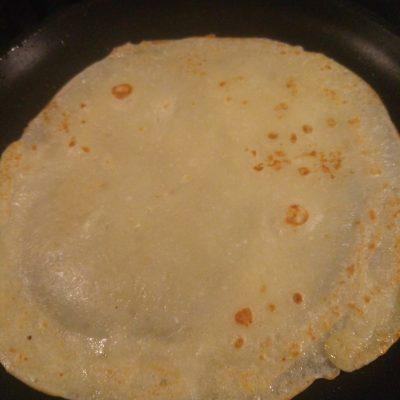 Фото рецепта - Тонкие блины на кефире без соды - шаг 3