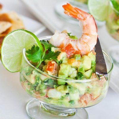 Аппетитный салат-коктейль из креветок - рецепт с фото