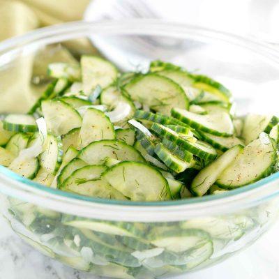 Пряный салат из свежих огурцов и репчатого лука - рецепт с фото