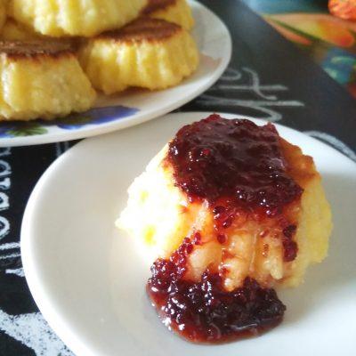 Сырники из творога в духовке - рецепт с фото