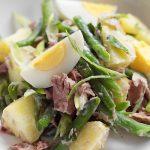 Сытный картофельный салат с фасолью и тунцом