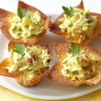 Тарталетки с куриным салатом «Манговый рай» - рецепт с фото