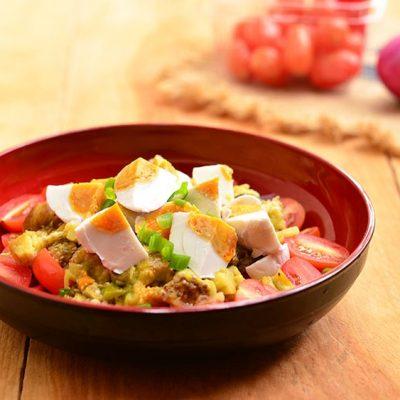 Теплый салат из баклажан с помидорами и яйцами - рецепт с фото