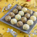 Закусочные сырные шарики для салата