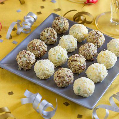 Закусочные сырные шарики для салата - рецепт с фото