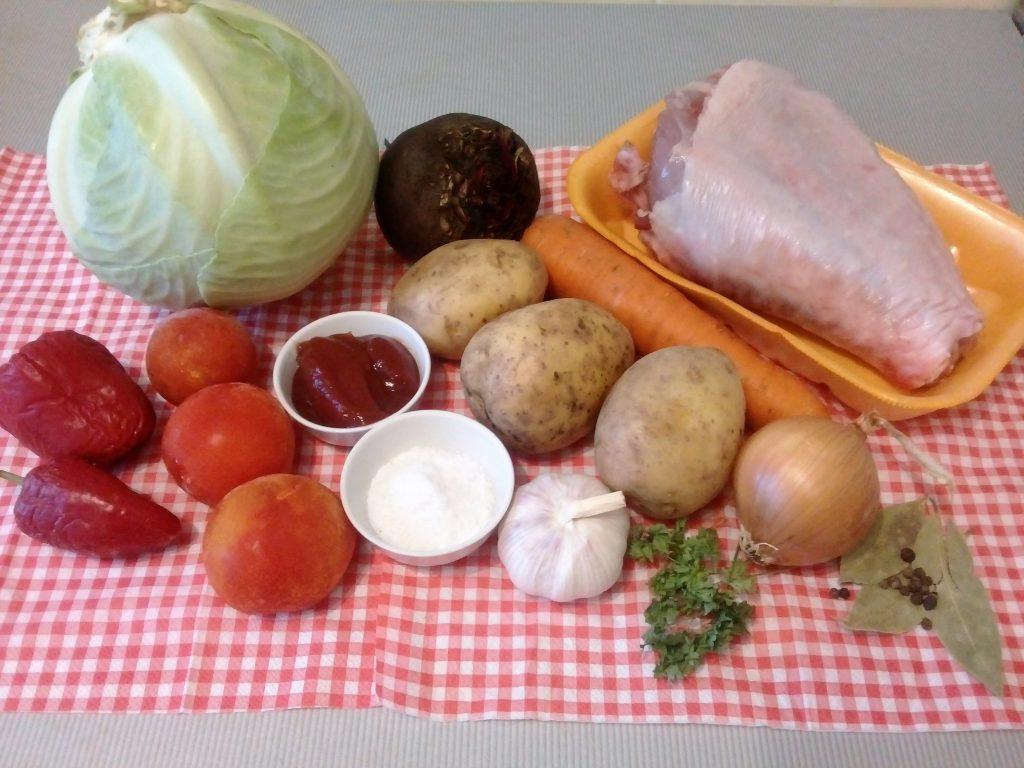 Фото рецепта - Борщ на бульоне из индейки со свежей капустой - шаг 1