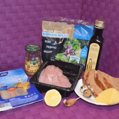 Фото рецепта - Салат с куриной грудкой «Цезарь» по-новому - шаг 1