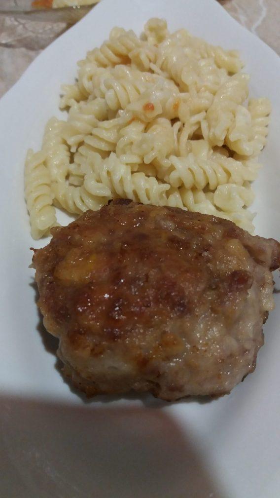 Фото рецепта - Вкусные котлетки из мяса бычков - шаг 6