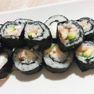 Роллы с креветками - рецепт с фото