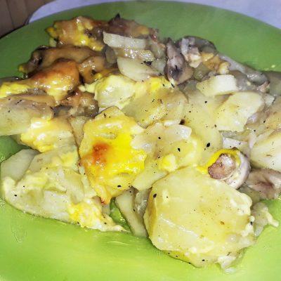 Картофельная запеканка с грибами - рецепт с фото