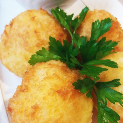 Рисовые шарики в сырной корочке - рецепт с фото