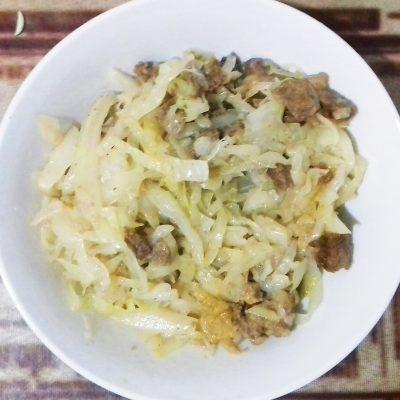 Капуста тушеная с мясом - рецепт с фото