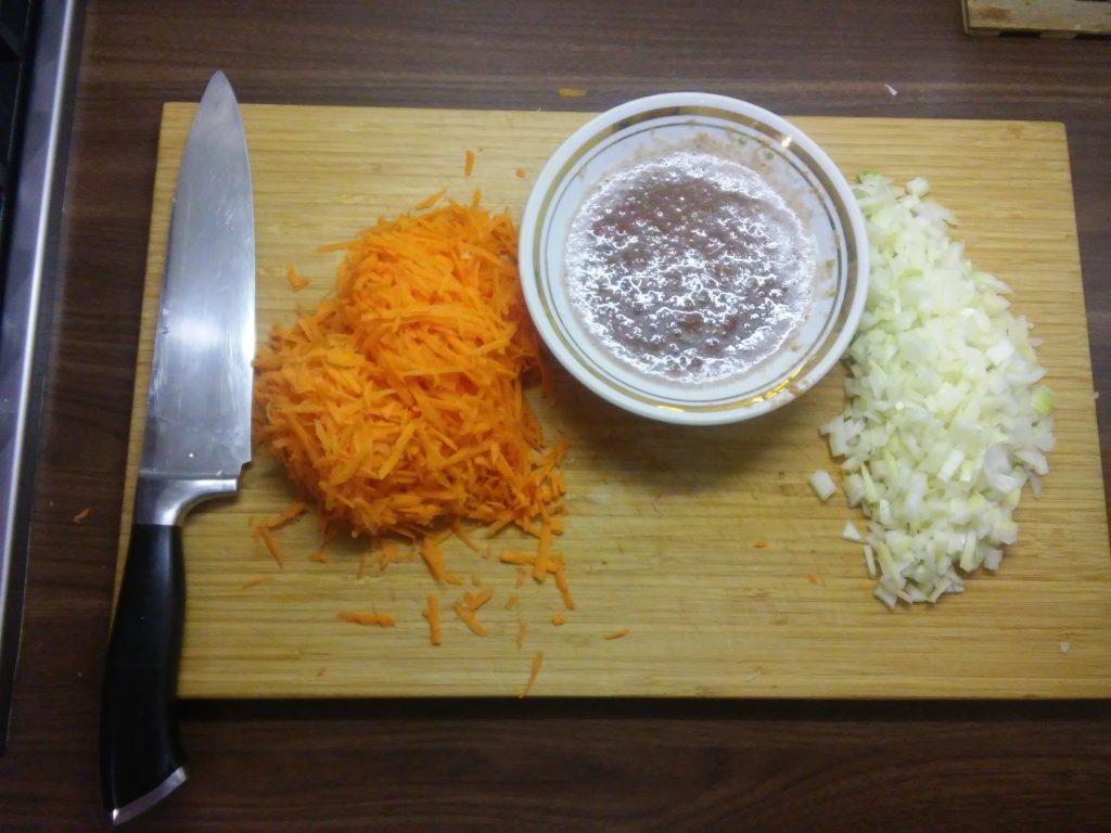 Фото рецепта - Овощное рагу из капусты и картофеля - шаг 1