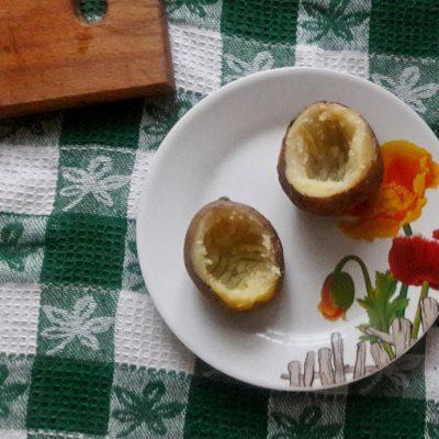 Фото рецепта - Яичница в картофеле по-селянски - шаг 1
