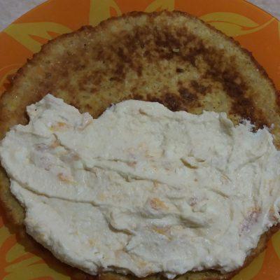 Фото рецепта - Торт из овсяноблинов с тыквой, бананом, творогом и орехами - шаг 4