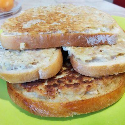 Закусочные горячие бутерброды с фаршем индейки и картофелем - рецепт с фото