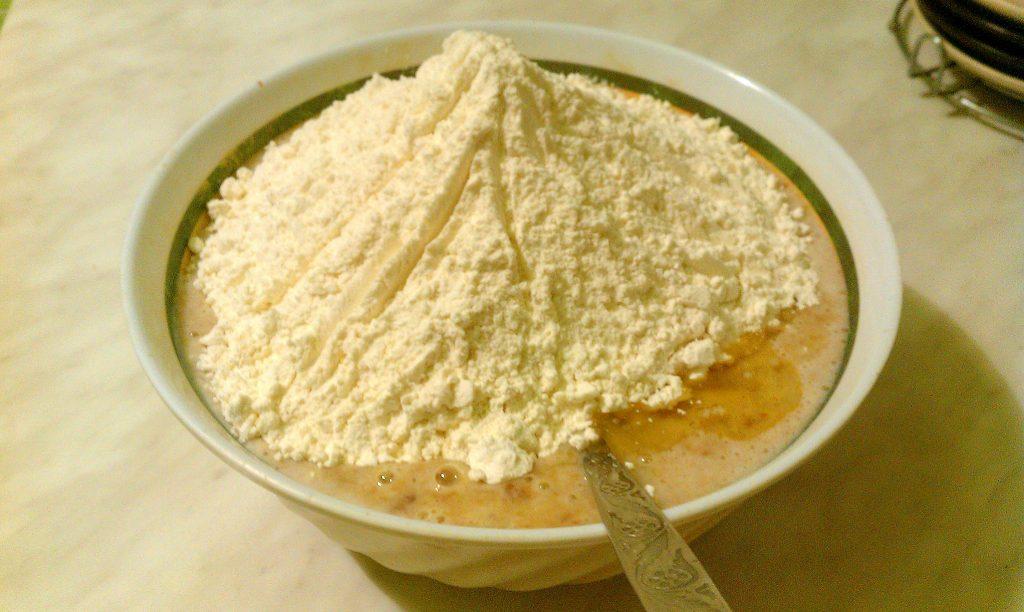 Фото рецепта - Пирог «Чертёнок» с яблочным вареньем - шаг 4