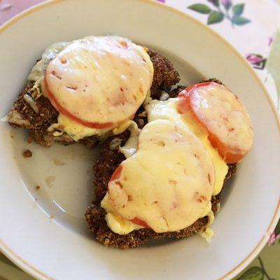Запечённая индейка с сыром и помидорами в духовке - рецепт с фото