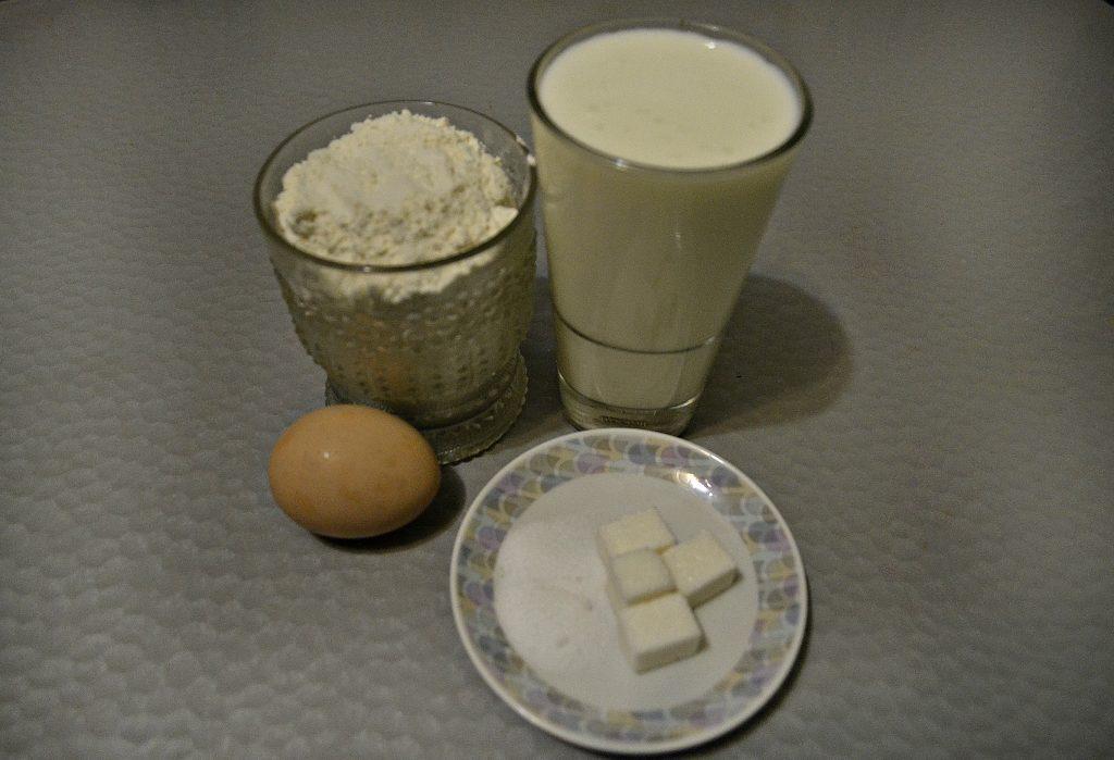 Фото рецепта - Вкусные оладьи на кефире - шаг 1