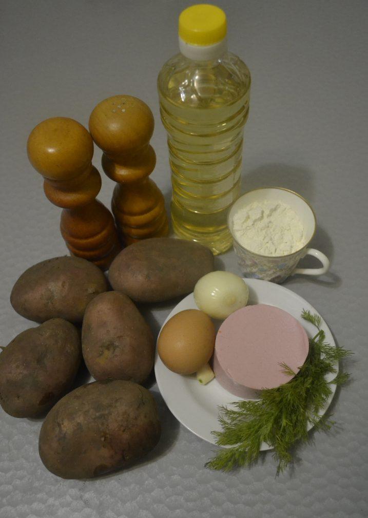 Фото рецепта - Драники с колбасой - шаг 1