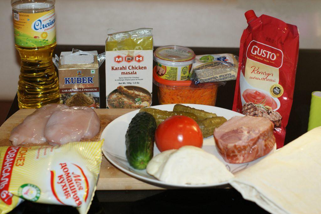 Фото рецепта - Домашняя шаурма с овощами и курицей - шаг 1