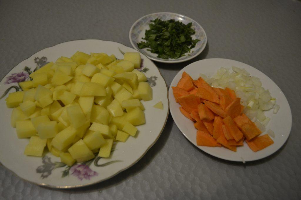 Фото рецепта - Суп с килькой в томатном соусе или уха по-быстрому - шаг 2