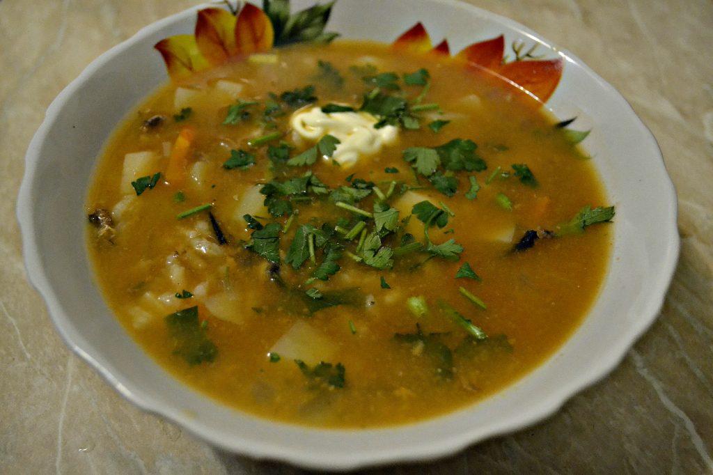 Фото рецепта - Суп с килькой в томатном соусе или уха по-быстрому - шаг 6