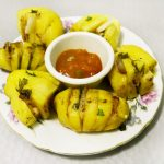 Запечённый «картофель- гармошка» с салом