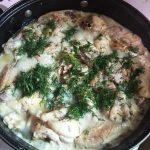Курица с вешенками в сметанном соусе
