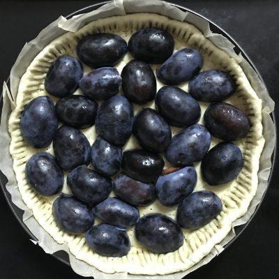 Фото рецепта - Заливной пирог со сливами - шаг 4