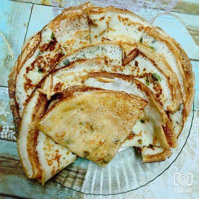 Нежные блинчики с сыром и зеленью - рецепт с фото