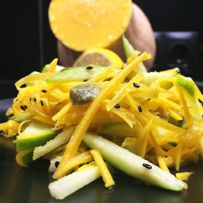 Салат из тыквы и зеленого яблока - рецепт с фото