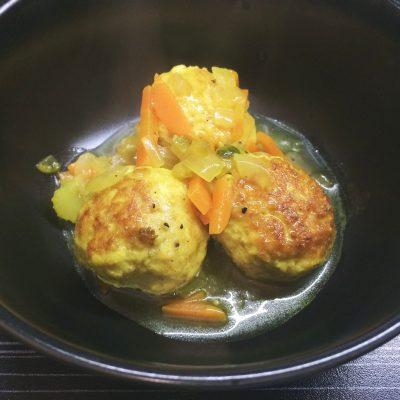 Куриные фрикадельки в овощном соусе - рецепт с фото