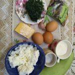 Фото рецепта - Нежный кабачковый рулет с творожной начинкой - шаг 1