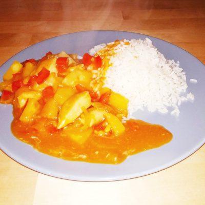 Курица в пряном кисло-сладком соусе - рецепт с фото