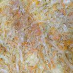 Фото рецепта - Вкуснейший картофельный пирог, запеченный с сыром и капустой - шаг 3