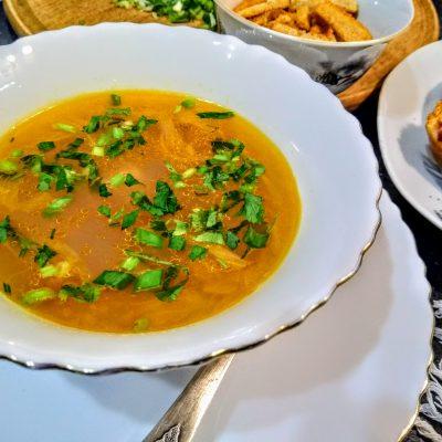 Гороховый суп с колбасой «Просто и вкусно» - рецепт с фото