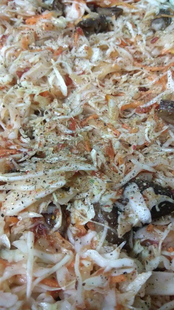 Фото рецепта - Постная кухня — тушеная капуста с грибами - шаг 5