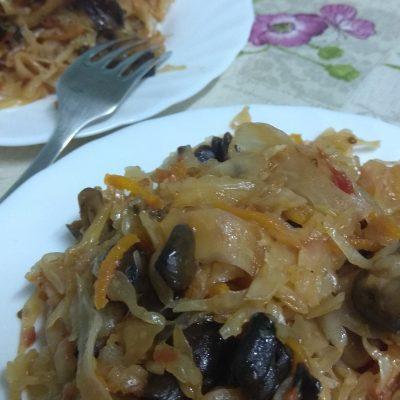 Фото рецепта - Постная кухня — тушеная капуста с грибами - шаг 8
