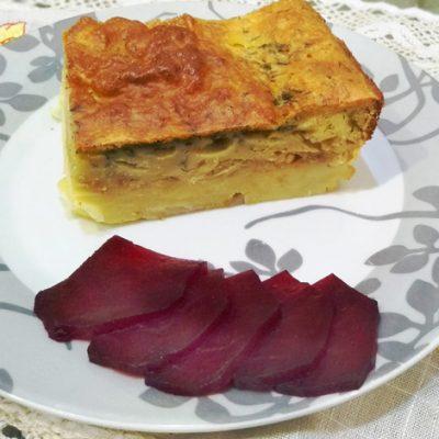 Вкуснейший картофельный пирог, запеченный с сыром и капустой - рецепт с фото