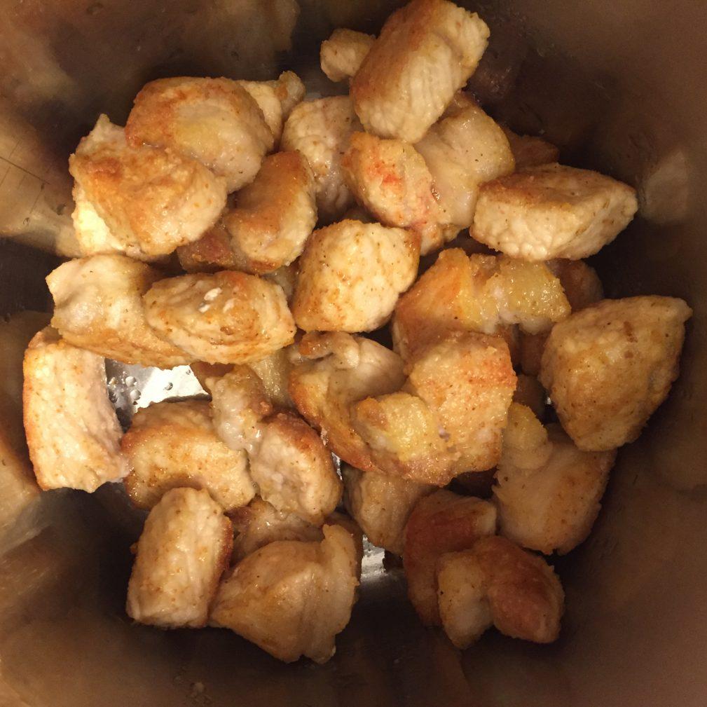 Фото рецепта - Тушеная картошка со свининой - шаг 4