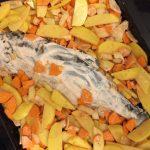 Фото рецепта - «Ленивая» горбуша с овощами в духовке - шаг 3