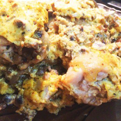Куриные бедра, фаршированные грибами - рецепт с фото