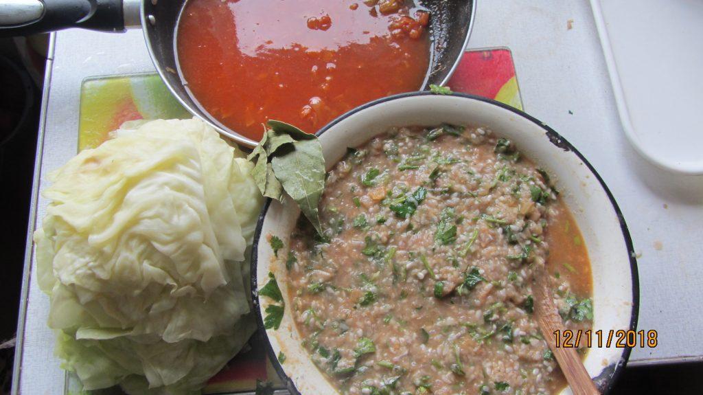 Фото рецепта - Голубцы в томатном соусе - шаг 2