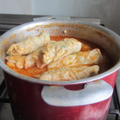 Фото рецепта - Голубцы в томатном соусе - шаг 4