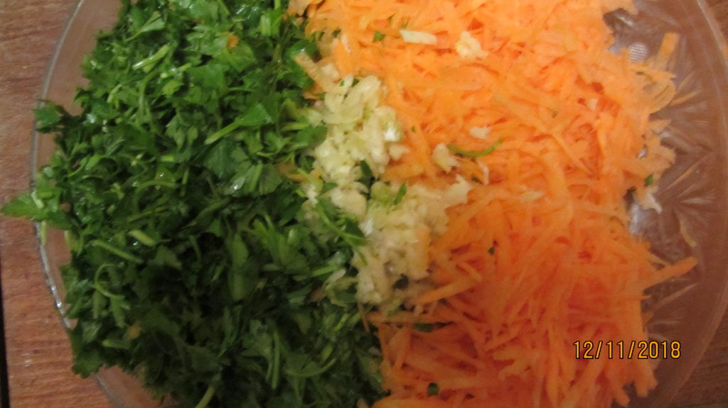 Фото рецепта - Фаршированные соленые помидоры на зиму - шаг 2