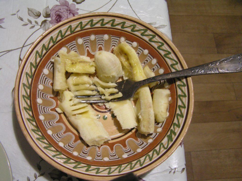 Фото рецепта - Печенье с бананом и овсянкой - шаг 2