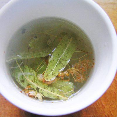 Чай из липы и мелиссы и листа смородины - рецепт с фото